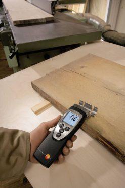 testo 616 - Material Moisture Meter in action